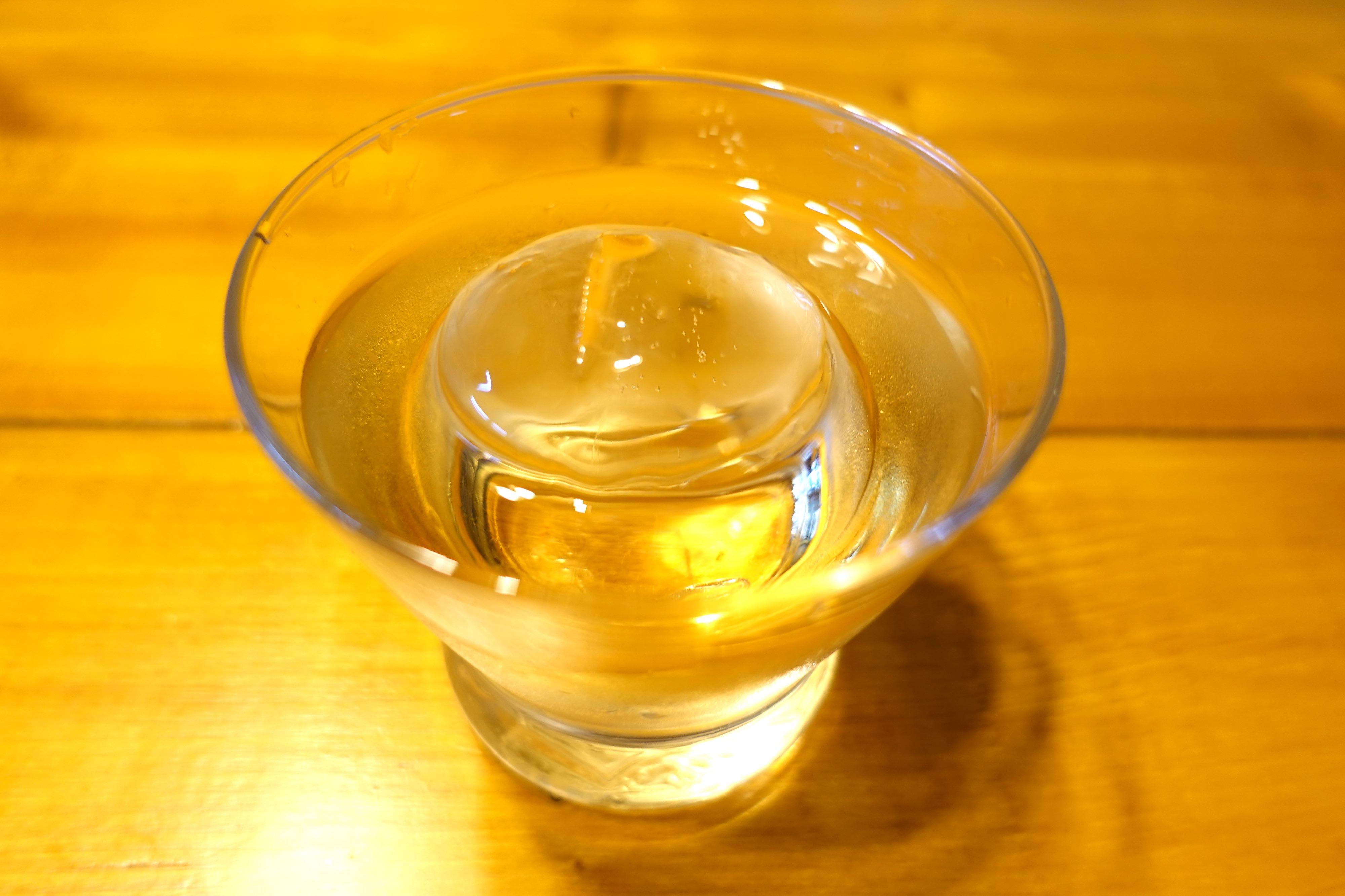 あの素晴らしい透明な氷を求めて