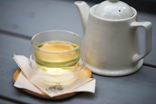 カフェ・バスク。バスクとは英語で「日向ぼっこ」。名称にふさわしいテラス