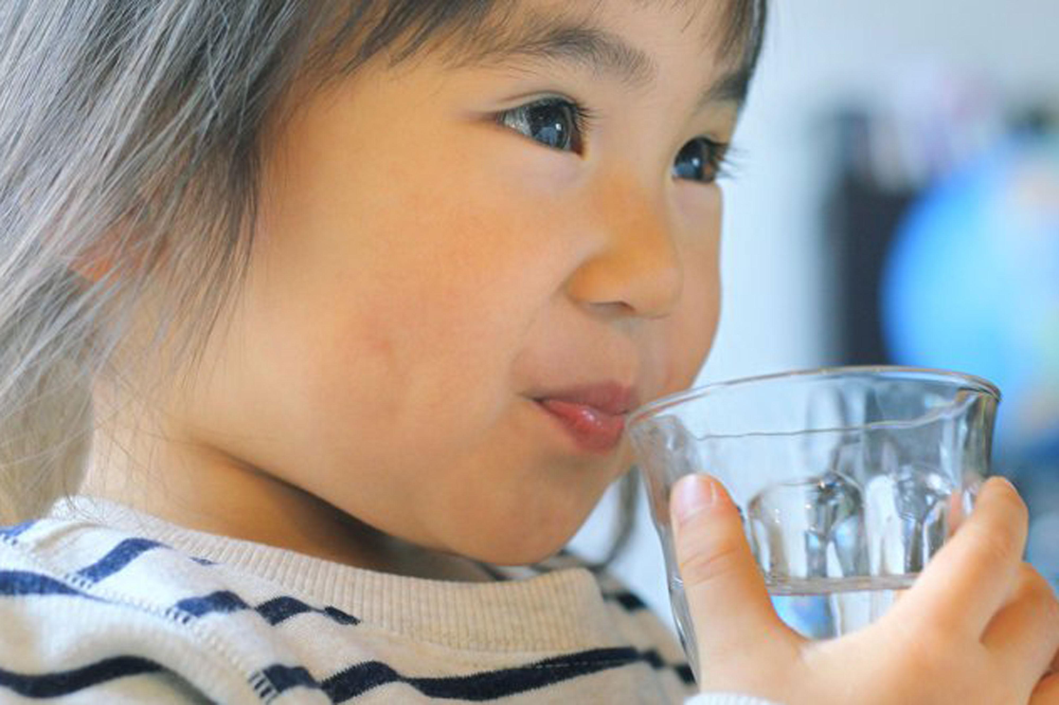 子どもの発育におすすめ&NGな飲み物まとめ。飲み物選びで気を付けたいこと