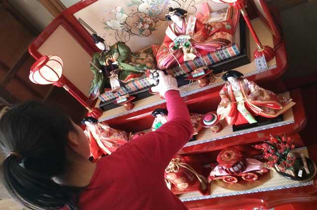 お雛様の飾り方 飾る時期の目安や七段飾りの飾り方