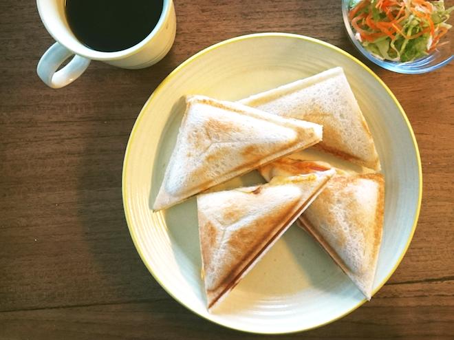 家カフェしよう – 具沢山・栄養満点ホットサンド